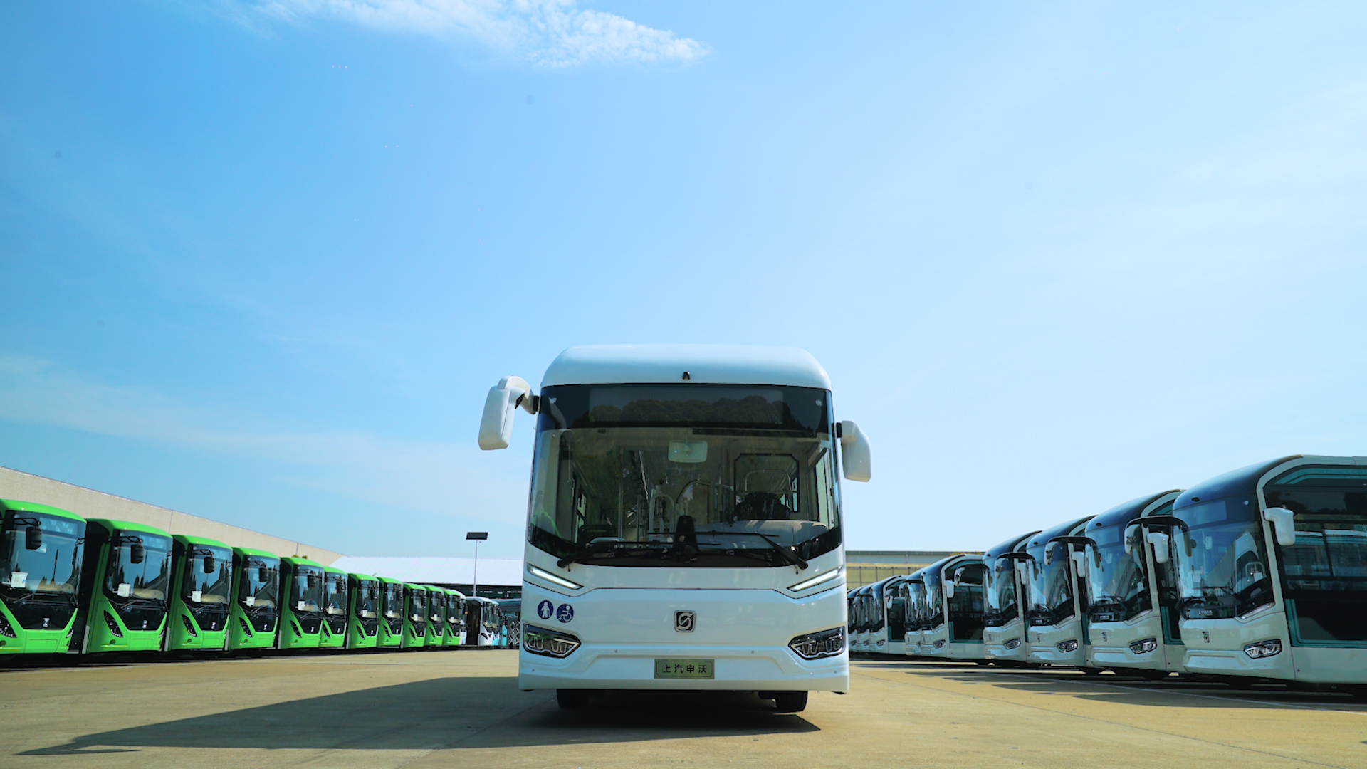 Shanghai Sunwin Bus presents its brand-new healthcare bus, ready to roll out across operations to help minimize the spread of coronavirus.